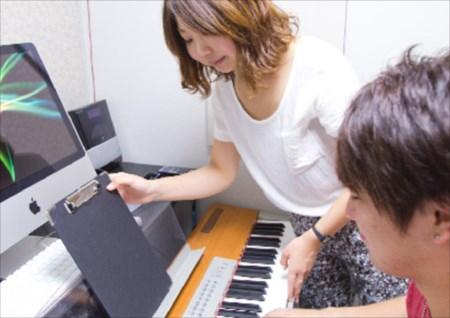 ボーカルのレッスンが受けられる人気のスクールをお探しなら!