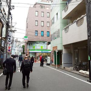 ベリーメリーミュージックスクール新宿校 道順1-04